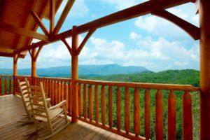 Awesome Views is a three bedroom cabin in Pigeon Forge with amazing views and vistas of the Smoky Mountains