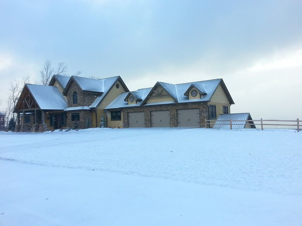 Snow in The Summit on Bluff Mountain in Pigeon Forge, Tennessee at a luxury residence.